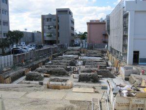 講義棟の基礎掘削工事が完了しました。